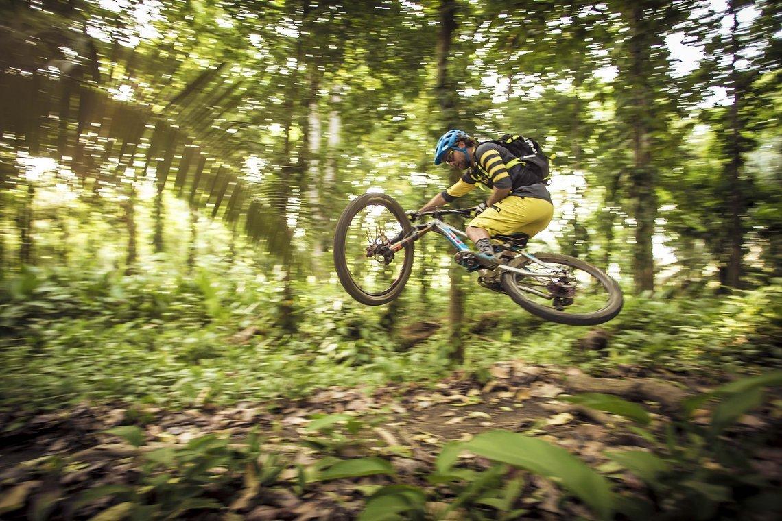 Richie Schley stylt durch den Dschungel