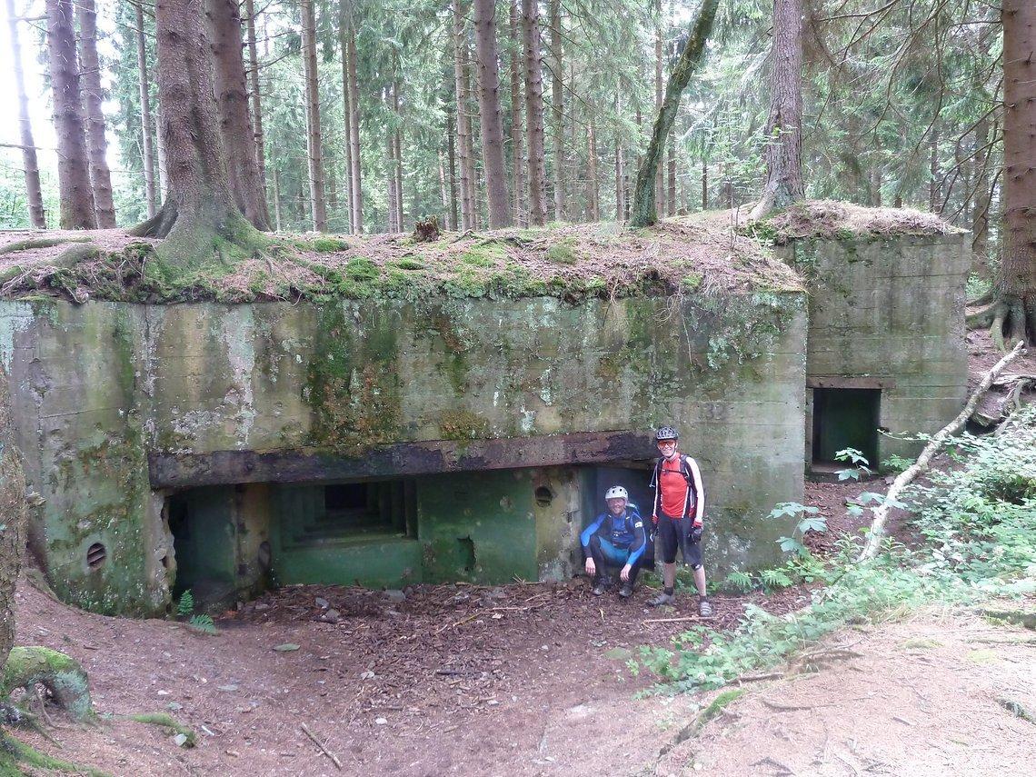 Bunker 132, Gruppenunterstand mit angehängtem Kampfraum im Buhlert , Hanglage Kalltal nach Schmidt.
