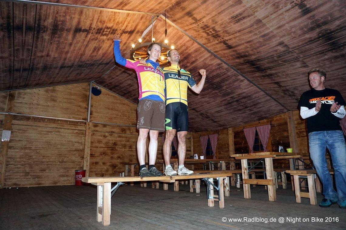 Die Sieger, Moni Janzen vom Eulenexpress und Tobias Berg von den MTB Rockern