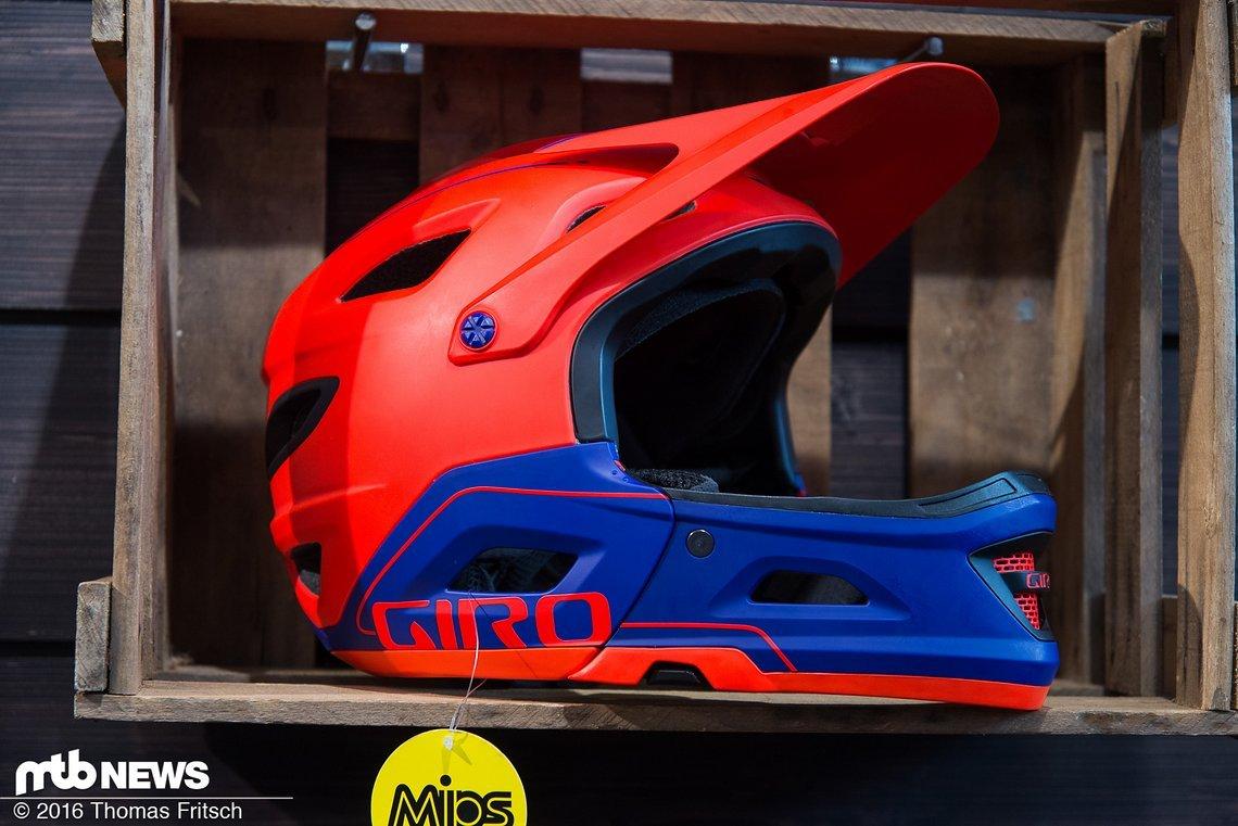 Interessanteste Neuheit bei Giro dürfte wohl der neue Switchblade Helm mit abnehmbarem Kinnbügel sein, der in der EWS schon mehrfach erfolgreich war