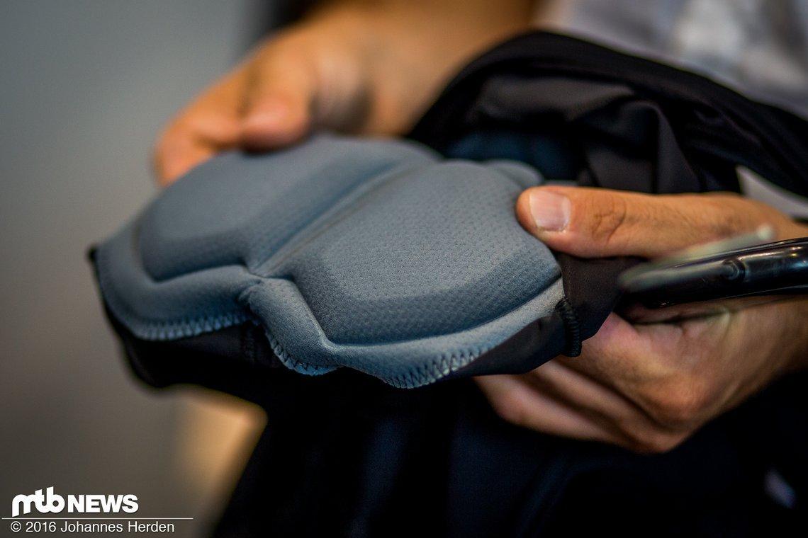 ...und einem Innenpolster, dass im Sitzknochenbereich eine dicke Gelschicht für noch mehr Komfort bietet