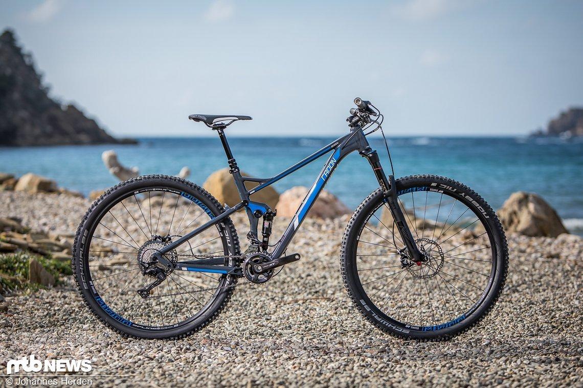 Das Radon Skeen Trail 29 9.0 ist ein sehr gelungenes Trailbike, das Einsteigern zu einem fairen Preis viel Freude bereiten wird