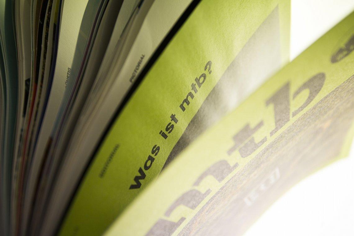 Mattes Papier, natürliche Haptik und eine eigenständige Optik. Wir freuen uns über Feedback zum Magazin gerne an n.bielig@wom-medien.de
