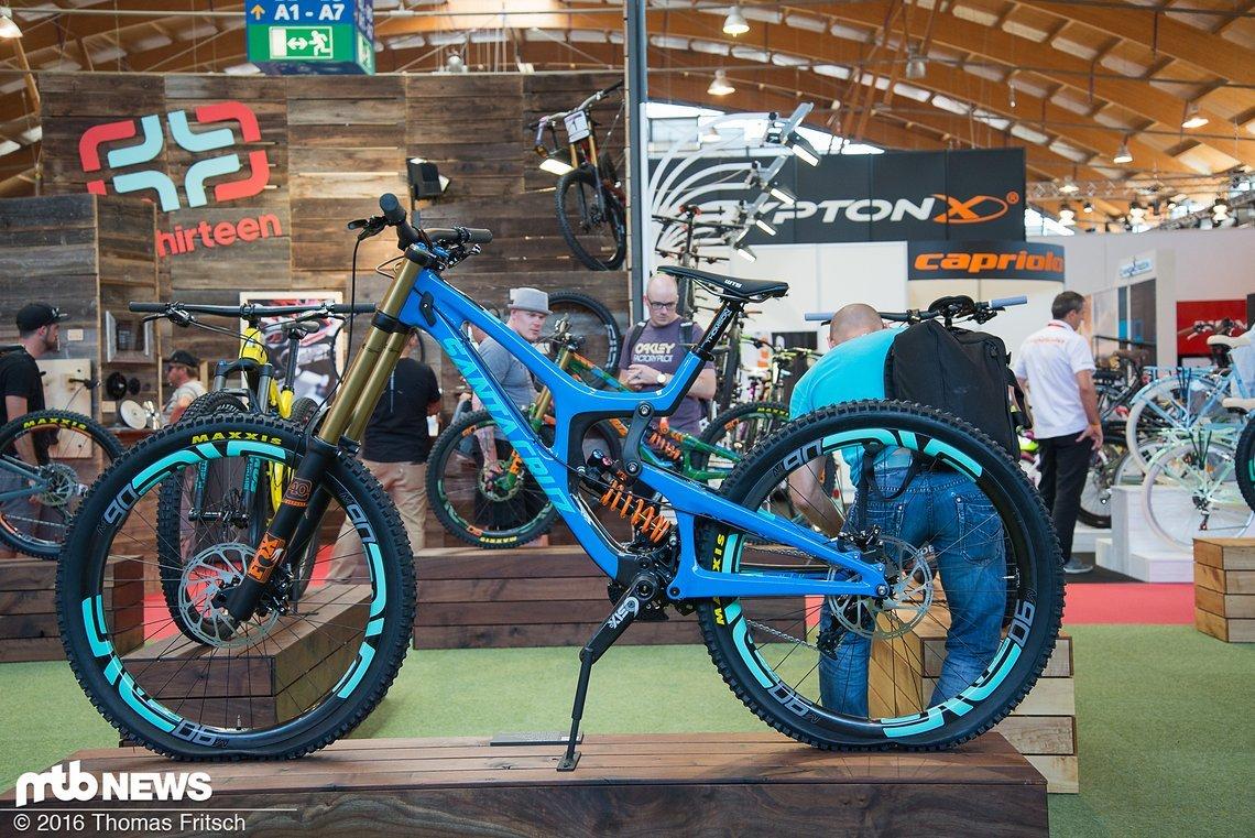 Das legendäre DH-Bike V10.