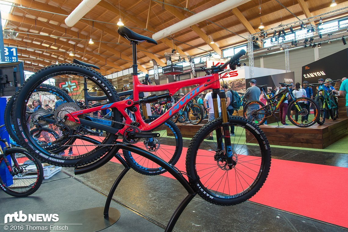 Aufbauend vom Downhill-Bike wurde das Firebird entwickelt.