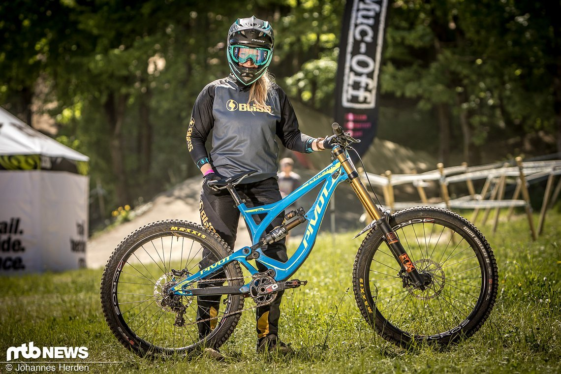 Katrin Karkhof (GER), Pivot Cycles