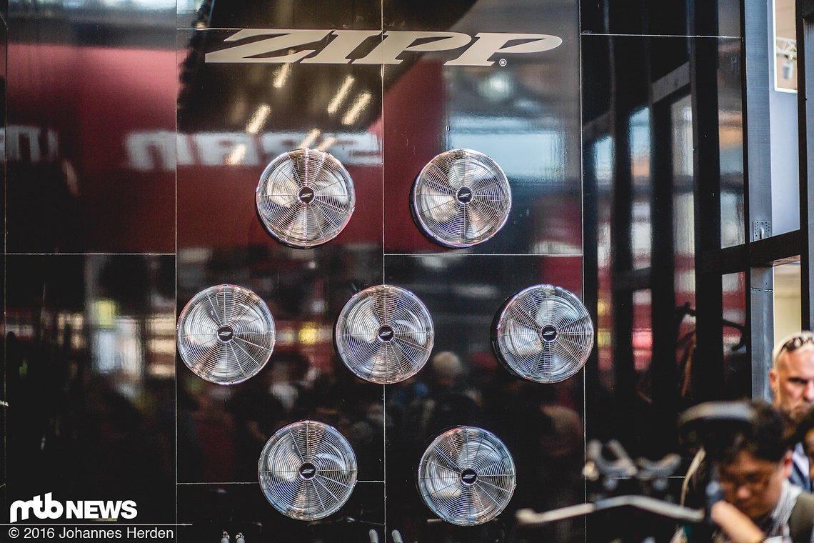 Luftig: Die Belüftung von Zipp am SRAM-Stand. War effektiv!