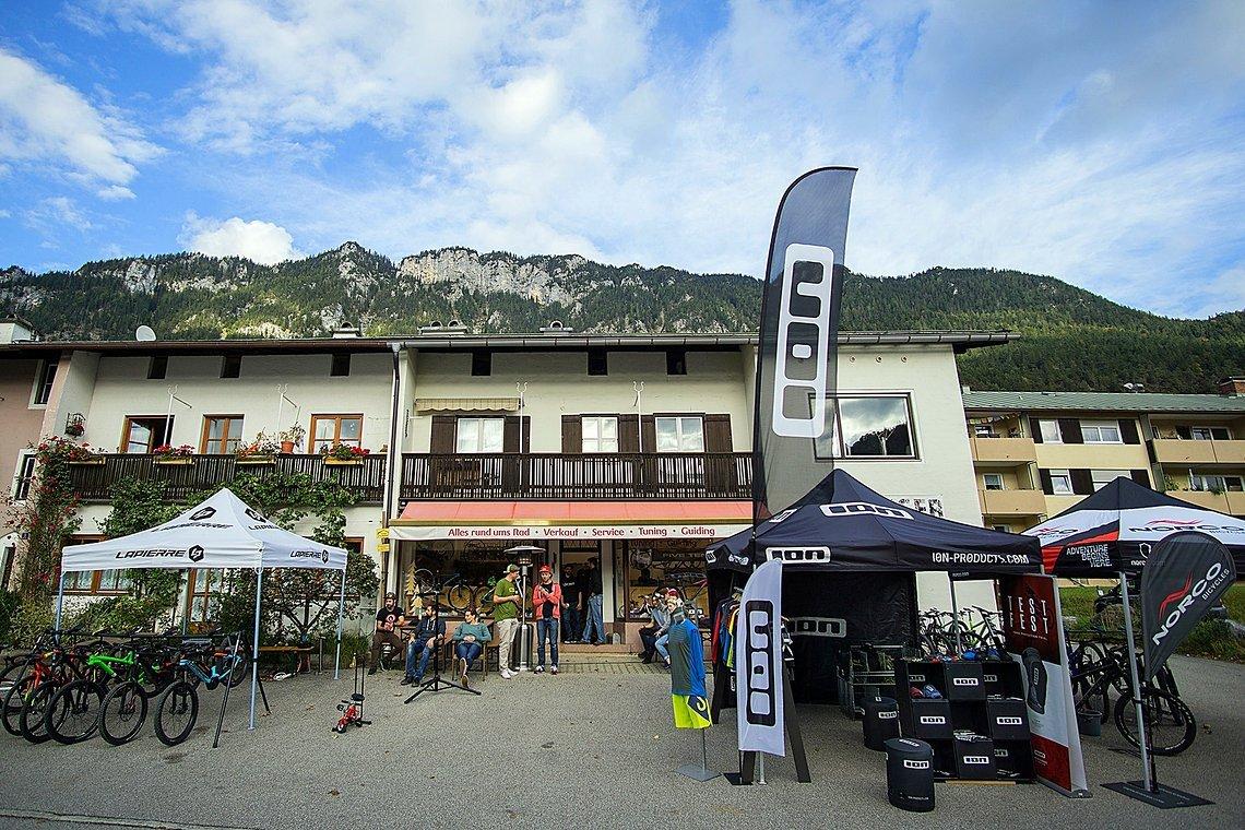 Vorbereitet für Testtag 1 - Die Base Flowinger Bike Shop inmitten von Bischofswiesen