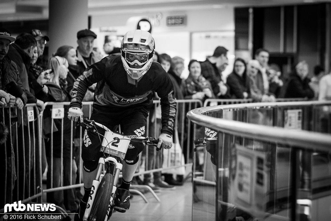 Noch vor wenigen Tagen war Fischi im Warmen trainieren, jetzt bestreitet er die ersten Rennen der Downmall Tour
