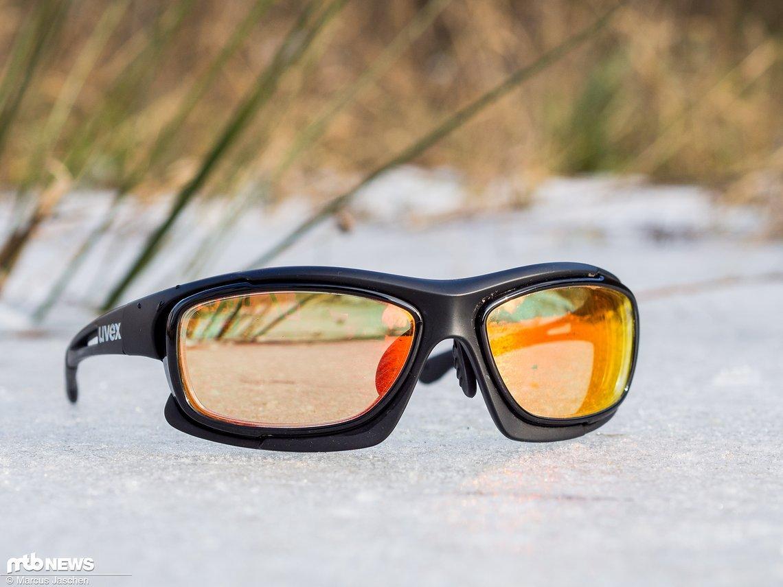 Der Blick durch die Gläser lässt sofort erkennen, dass diese eine Sehstärkenkorrektur besitzen