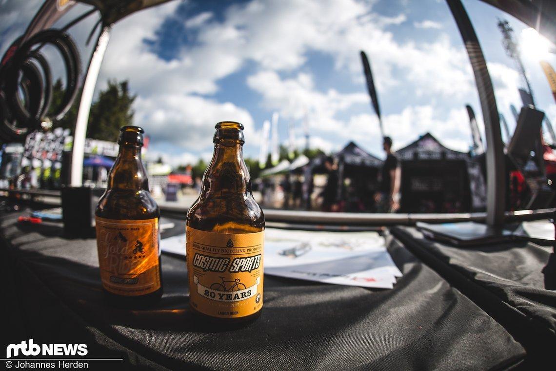 Bier wurde auch weiterhin reichlich ausgeschenkt – Bei Cosmic Sports zum Beispiel