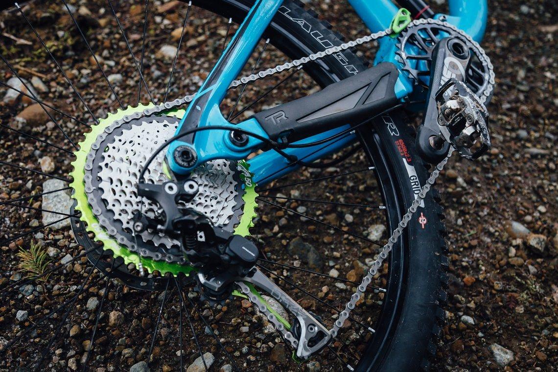 OneUp-Components-Sid-Slotegraaf-Shark-10-50t-AJ-bike-on-ground