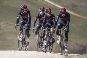 Die Fahrer von Team Ineos Grenadiers halfen bei der Entwicklung des Kask Wasabi.