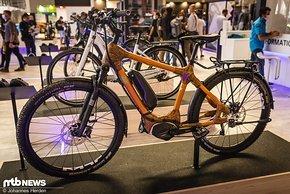 Ein Bambusbike mit Motor? Solche Kombinationen sieht man auch noch nicht allzu häufig.