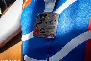 Andy ist stolz auf die Finisher-Medaille