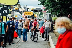 """Berührungspunkte mit der """"echten"""" Tour de France gab es selbstverständlich auch."""