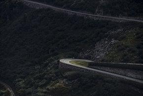 Wer gerne einsam Pässe hochkurbelt und davon gleich 3, ist bei Chasing Cancellara Zürich-Zermatt goldrichtig