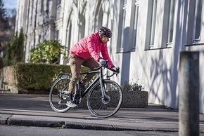 Fix und fertige Commuter-Rennräder sind eine Alternative zum schrittweisen Umrüsten von Gravelbikes oder anderen Rennrädern
