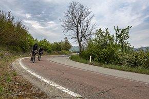 Die Fahrt führt uns über viele schöne, wenig befahrene Nebenstrassen mitten durch die Italienischen Provinzen.
