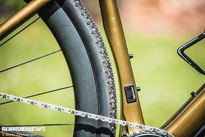 Das Áspero bietet Platz für bis zu 42 mm breite Reifen in 700c