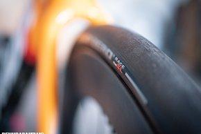 Dr Pirelli PZero Race TLR ist für Felgen mit 19 mm Maulweite optimiert