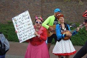 Karnevalsschlager am Wegesrand in Leeuwarden 2017