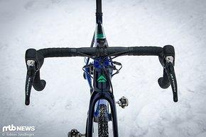 Ein klassisches Rennrad-Cockpit am Cyclocross-Rad