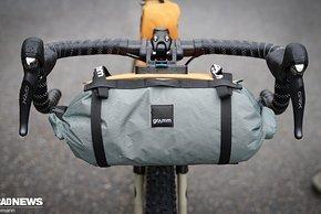 Die Packsack-Lenkertasche für das Detour ist neu im Gramm Programm