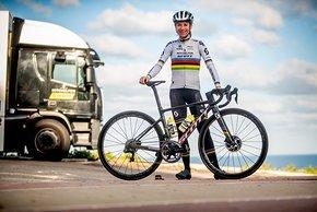 Van Vleuten mit ihrem leichten Addict RC Bike 2020