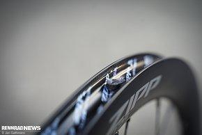 Das Hookless-Design ohne Haken innen an der Felgenflanke – nur Tubeless- oder Tubeless-Ready-Reifen dürfen gefahren werden