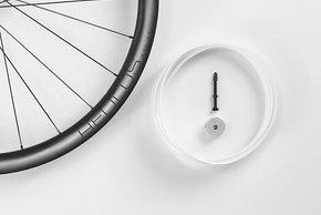 Alle Aeolus Carbon-Laufräder sind tubeless ready – unser Testrad kam aber mit Schläuchen