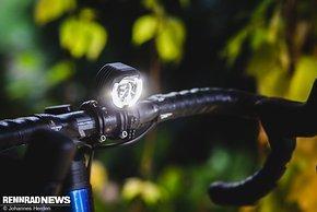 Die Lupine SL-F vereint als einer der ganz wenigen Scheinwerfer StVZO-Treue mit einem vollkommen offroad-tauglichen Fernlicht auf Knopfdruck.