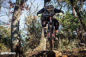 Sprünge lassen sich sehr smooth und stabil fahren. Eines der einfachsten Bikes auf dem sprunglastigen Trail.