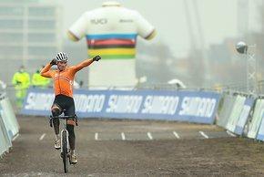 Van der Poel freute sich auch über seinen 4. Weltmeistertitel im Cross