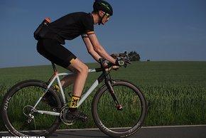 Mit Aero-Laufrädern wie den Swiss Side Hadron 485 Classic sieht jedes Rennrad schneller aus
