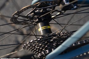 Die Mavic Aksium Laufräder sind solide und haltbar gebaut, aber auch recht schwer.