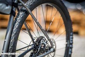 Massive Reifenfreiheit für den WTB Nano 29er Pneu und Ösen an allen Ecken und Enden