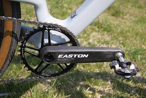 Ein Umwerfer kann nicht montiert werden – die EC90 SL-Kurbel spart Gewicht.