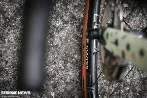 Auf der Straße kann der G One R für einen ernsthaft Offroad tauglichen Gravel-Reifen richtig glänzen.