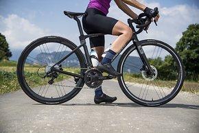 Die neuen Campa Shamal Carbon DB-Laufräder sind für die neue Generation der Endurance-Rennräder mit viel Reifenfreiheit gemacht