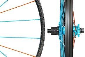 Der UL250-Laufradsatz kommt mit einer 25 mm breiten Felge und richtet sich an XC- und Trailbiker.