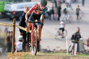 Aniek van Alphen gewann den Munich Super Cross bei den Frauen