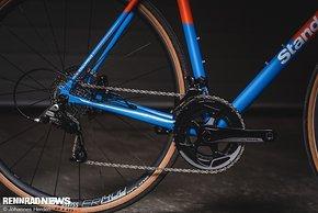 Das Basis-Komplettrad kommt mit SRAM Rival 2x11-Gruppe