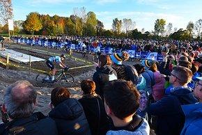 Über 10.000 Zuschauer waren laut UEC an der Strecke...