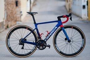 Spanisch deutsche Koproduktion:  Orbea Orca OMX des Ceratizin - WNT Pro Cycling Teams