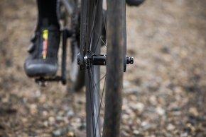 ...und dadurch mehr Platz für breite Reifen