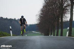 Viel Steifigkeit für Sprints – auch wenn das Fahrverhalten nicht so agil ist wie ein Racebike, so kommt man mit dem Paralane enorm gut vom Fleck