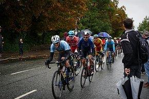 Die Belgier bemühten sich vergeblich, wieder Anschluss an die Spitze zu finden. Sie hatten im Laufe des Rennens viele starke Fahrer verloren