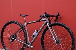 Bikepacking Montagepunkte sind im  Rahmen reichlich vorhanden