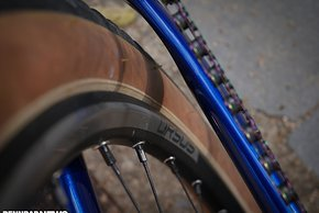 ...und Platz für Reifen bis circa 54 mm Breite in 650b (2,1-Zoll)